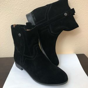 Frye & Co Black Suede Leather Ankle Boots